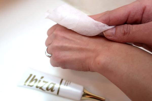 イビサクリームを塗る前に清潔にする