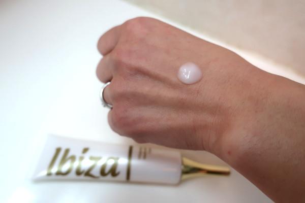 イビサクリームは1日2回塗る